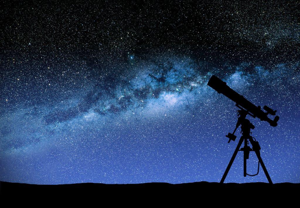 telescopio y la via lactea